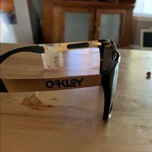 Women's brand new Oakley sunglasses